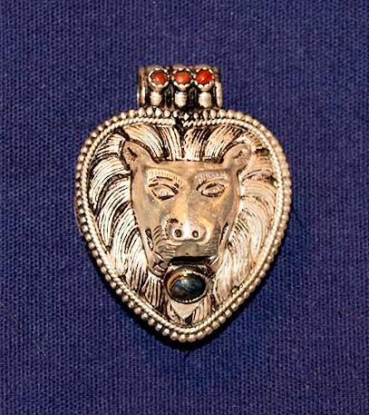 Lion Pendant used in Bone Reading