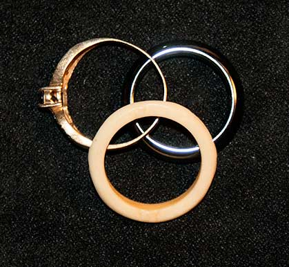 rings-used-for-bone-reading