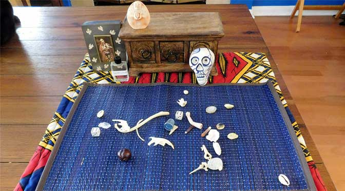 Front Porch Conjure Bone Reading Set