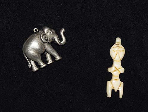 Pieces for the querent and an elephant