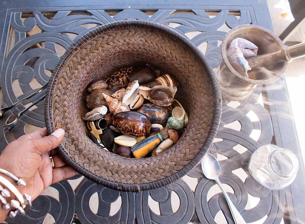 Bone reading set and incense